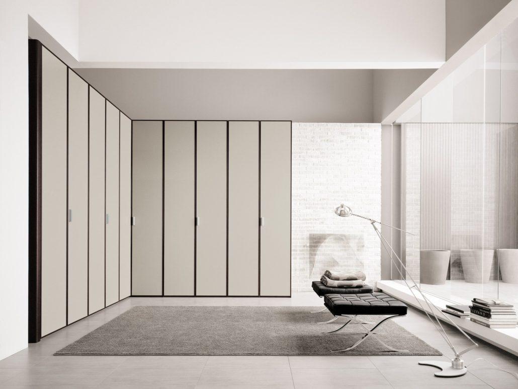 Tomasella profilo mobilia group divani cucine e for Mobilia trieste
