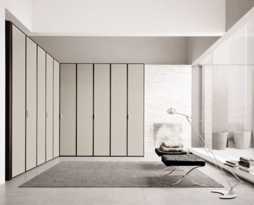 Tomasella profilo mobilia group divani cucine e for Mobilia cucine